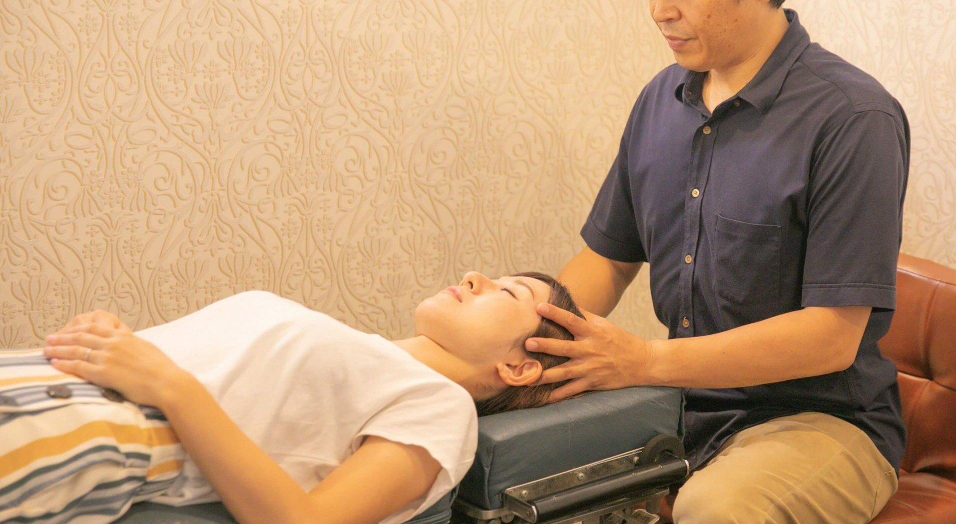 首を整え、脳が身体を回復させる<br>「無痛の骨格矯正」